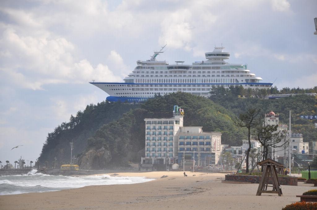Le Sun Cruise Resort, un hotel en forme de bateau