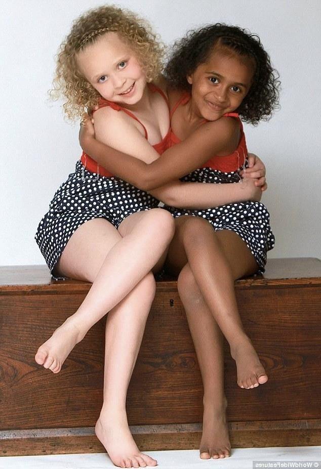 Remee et Kian des jumelles différentes