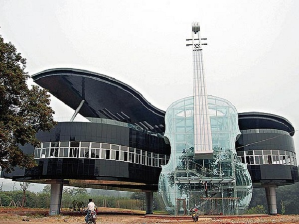 The Piano House une construction étrange en Chine