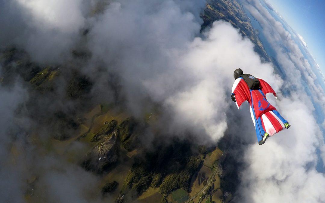 Le wingsuit est un sport de l'extrême
