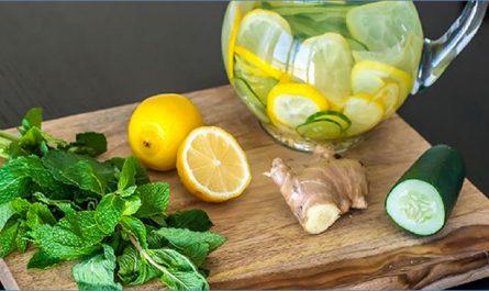 Eau de Sassy avec du citron, du concombre