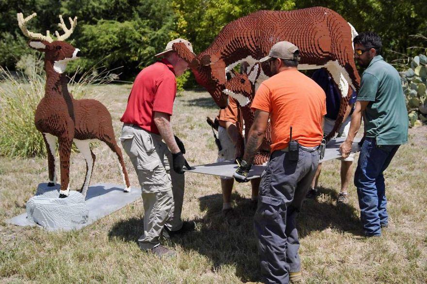Des animaux en briques LEGO dans un zoo au Texas