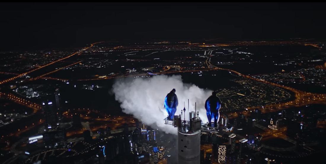Base-jump en wingsuit de Burj Khalifa, la plus haute tour au monde